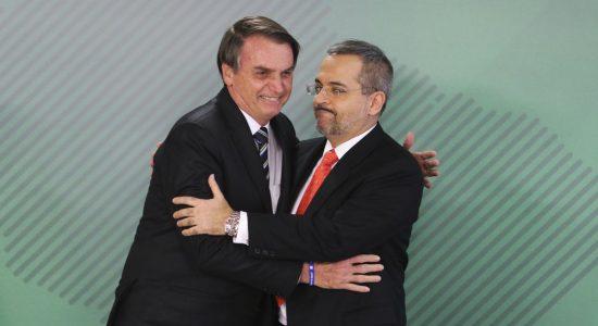Presidente Jair Bolsonaro e o novo ministro da Educação, Abraham Weintraub