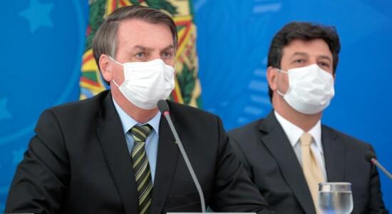 Presidente Jair Bolsonaro durante entrevista coletiva para tratar do coronavírus