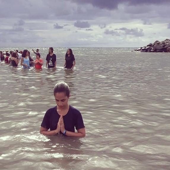 Novos batizados publicaram fotos do megabatismo nas redes sociais