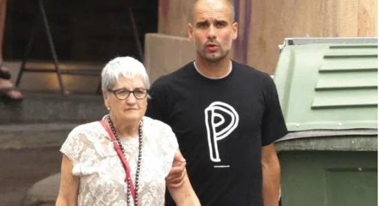 Pep Guardiola junto com a mãe, Dolores
