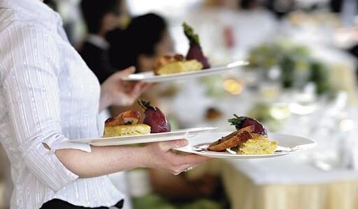 Associação estima que mais de 600 mil funcionários do setor de bares e restaurantes foram demitidos